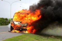 samochodu płonący ogień Zdjęcia Royalty Free