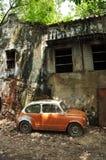 Samochodu porzucony Mini Dom Zdjęcia Stock