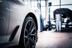 Samochodu Usługowy utrzymanie fotografia royalty free