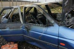 Samochodu wybuch i ogień fotografia stock