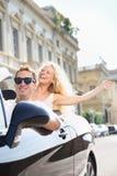 Samochody - ludzie jedzie samochód z męskim kierowcą Zdjęcia Stock