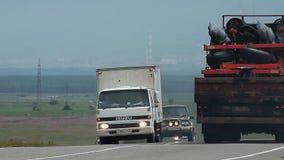 Samochody na drodze zdjęcie wideo