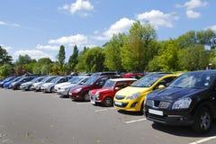 samochody parkowali Zdjęcie Stock