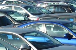 samochody parkujący zdjęcia royalty free