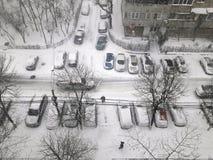 Samochody pod śniegiem w marszu Obraz Stock