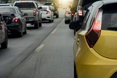 samochody przyskrzyniają drogowego ruch drogowy obrazy stock