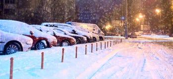 Samochody w parking w zimie zdjęcie stock