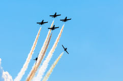 Samolotów myśliwowie dymią tło niebo i słońce Obraz Stock