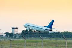 Samolot Bierze Daleko od lotniska Fotografia Royalty Free