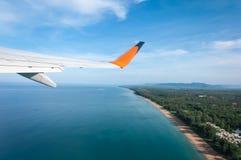 Samolot bierze daleko od wyspy Zdjęcia Stock