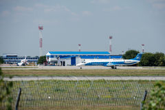 Samolot firma Dniproavia Fotografia Stock