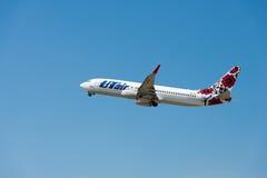 Samolot firma UTair Zdjęcia Royalty Free