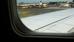 Samolot jest wokoło zdejmować, Lisbon lotnisko zbiory wideo