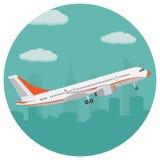 Samolot na tle miasto Zdjęcia Stock