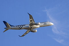 Samolot pasażerski od Holland urlopu pas startowy Fotografia Stock
