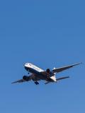 Samolot pasażerski Boeing 777 Obraz Stock