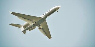 Samolot pasażerski ziemie Fotografia Royalty Free