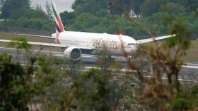 Samolot przyśpiesza przed odjazdem zbiory wideo