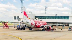 Samolot przy Don Mueang lotniskiem międzynarodowym na Sierpień 22 2015 i Obrazy Stock