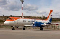 samolot RadarNPP Ilyushin Il-114 na lotniskowym pasie startowym Zdjęcia Stock