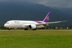 Samolot Thai Airways International Boeing 787-800 Dreamliner obrazy stock