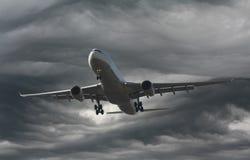 Samolot w burzy Zdjęcie Stock
