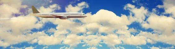 Samolot w niebie zdjęcia stock