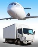 samolot w niebo ciężarówce na drodze zdjęcia royalty free