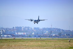 Samolot wojskowy anteny akrobacje Fotografia Royalty Free