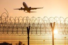 Samolotowa lewica lotnisko Zdjęcia Stock