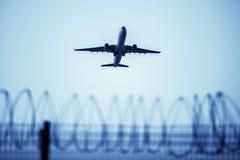 Samolotowa lewica lotnisko Obrazy Stock