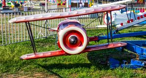 Samolotowa przejażdżka Przy Lokalnym okręgu administracyjnego jarmarkiem obraz stock