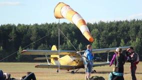 Samolotowy narządzanie dla start na pas startowy przejażdżkach, adwokat kukurydza, kukurydzany dorośnięcie/ zbiory