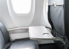 Samolotowy taca stół na siedzeniu z powrotem zdjęcia stock