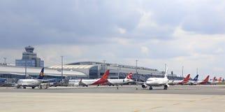 Samolotowy terminal w lotnisku Obrazy Stock