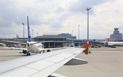 Samolotowy terminal w lotnisku Obrazy Royalty Free