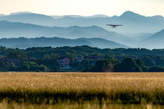 Samolotowy udźwig daleko Zdjęcie Stock