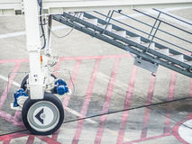 Samolotu lądowania schodki przy lotniskiem Obrazy Stock
