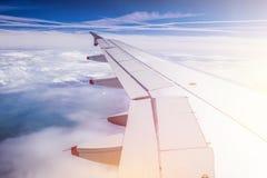 Samolotu skrzyd?o przez samolotu okno Szklarniany skutek, globalne ocieplenie sunshine zdjęcie royalty free
