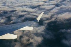 Samolotu skrzydło z okno Fotografia Stock