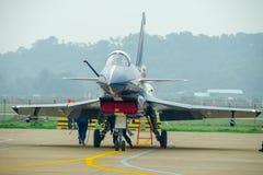 Samoloty szturmowi na asfalcie zdjęcia stock