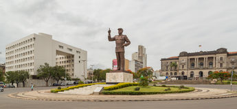 Статуя Samora Moisés Machel на квадрате независимости Стоковые Изображения RF
