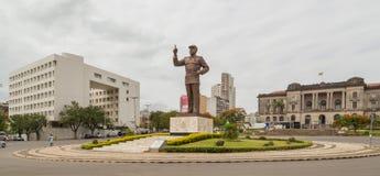 Samora在独立广场的Moisés Machel雕象  免版税库存图片