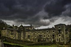 Samos Sarria/Spanien, Maj 20, 20018: Kloster Samos royaltyfri foto