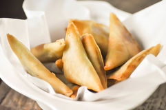 Samosa, ινδικό πρόχειρο φαγητό Στοκ εικόνες με δικαίωμα ελεύθερης χρήσης