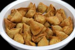 Samosa fritado do Punjabi foto de stock