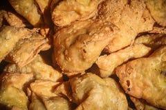 Samosa populärt mellanmål av Indien Royaltyfria Bilder