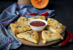 Samosa with pumpkin - traditional oriental pastries Stock Photography