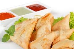 Samosas fritados caseiros Imagens de Stock
