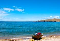 Samotna łódź obrazy stock